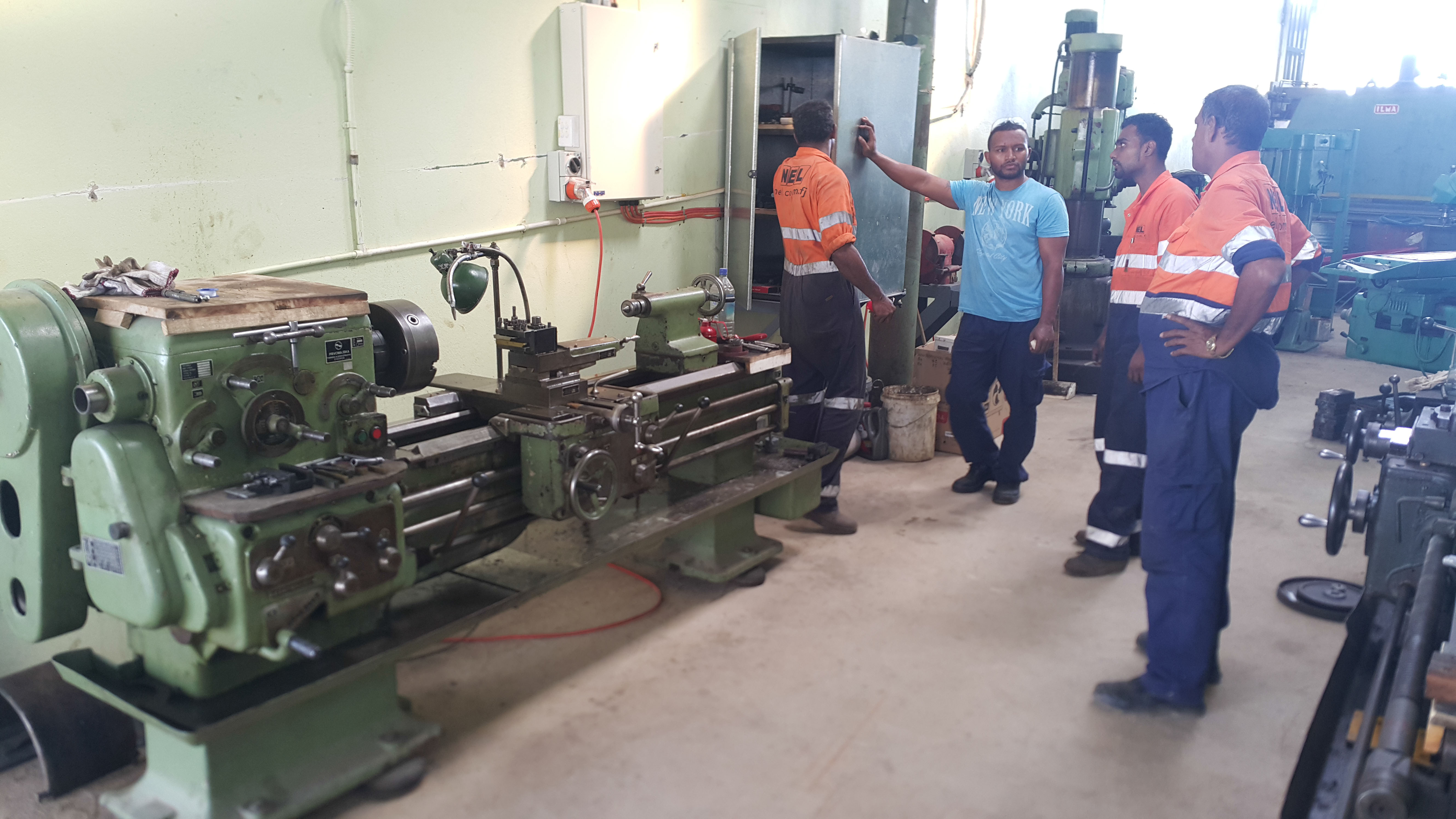 01 Small lathe machine