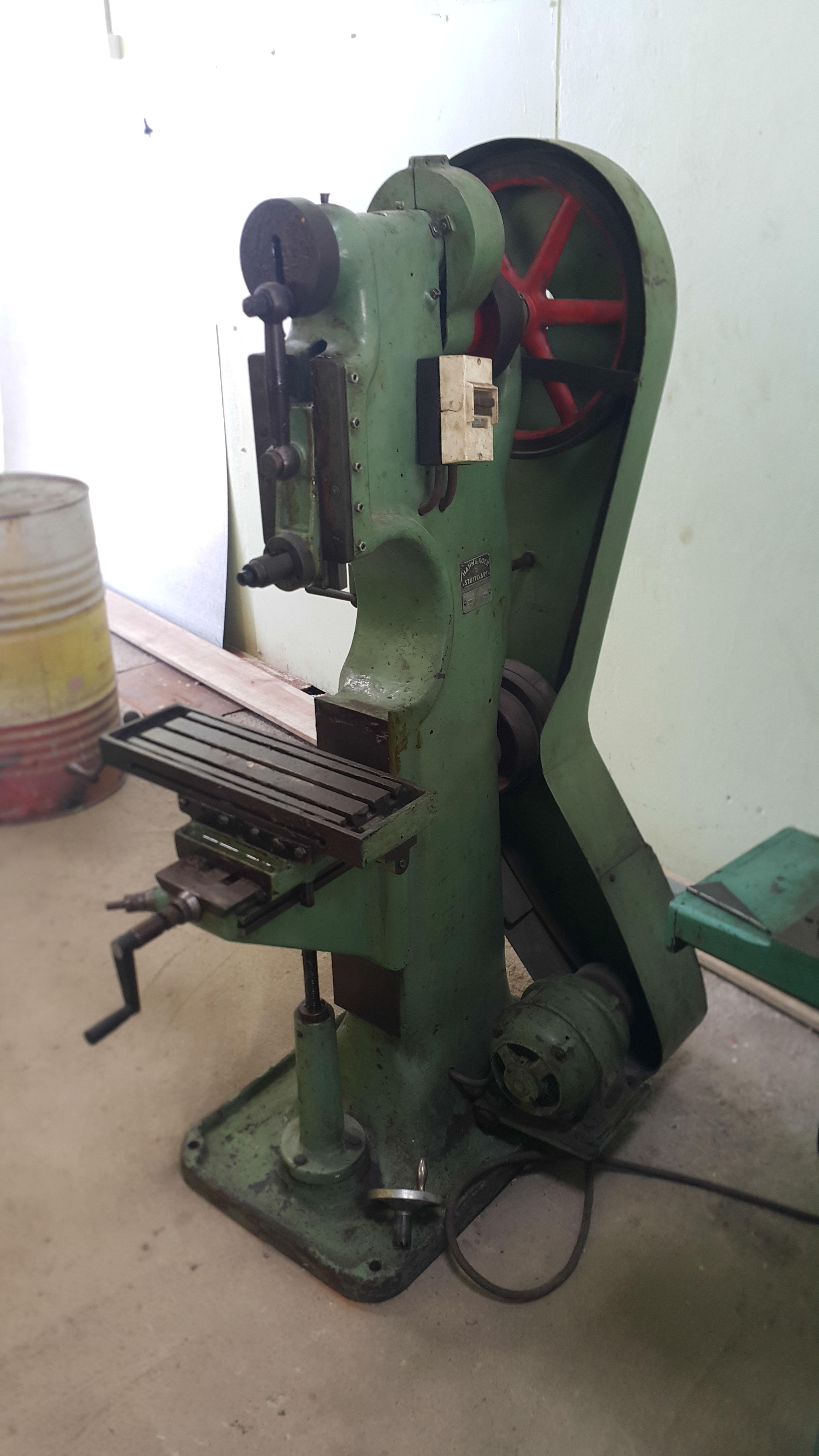 04 Slotting machine