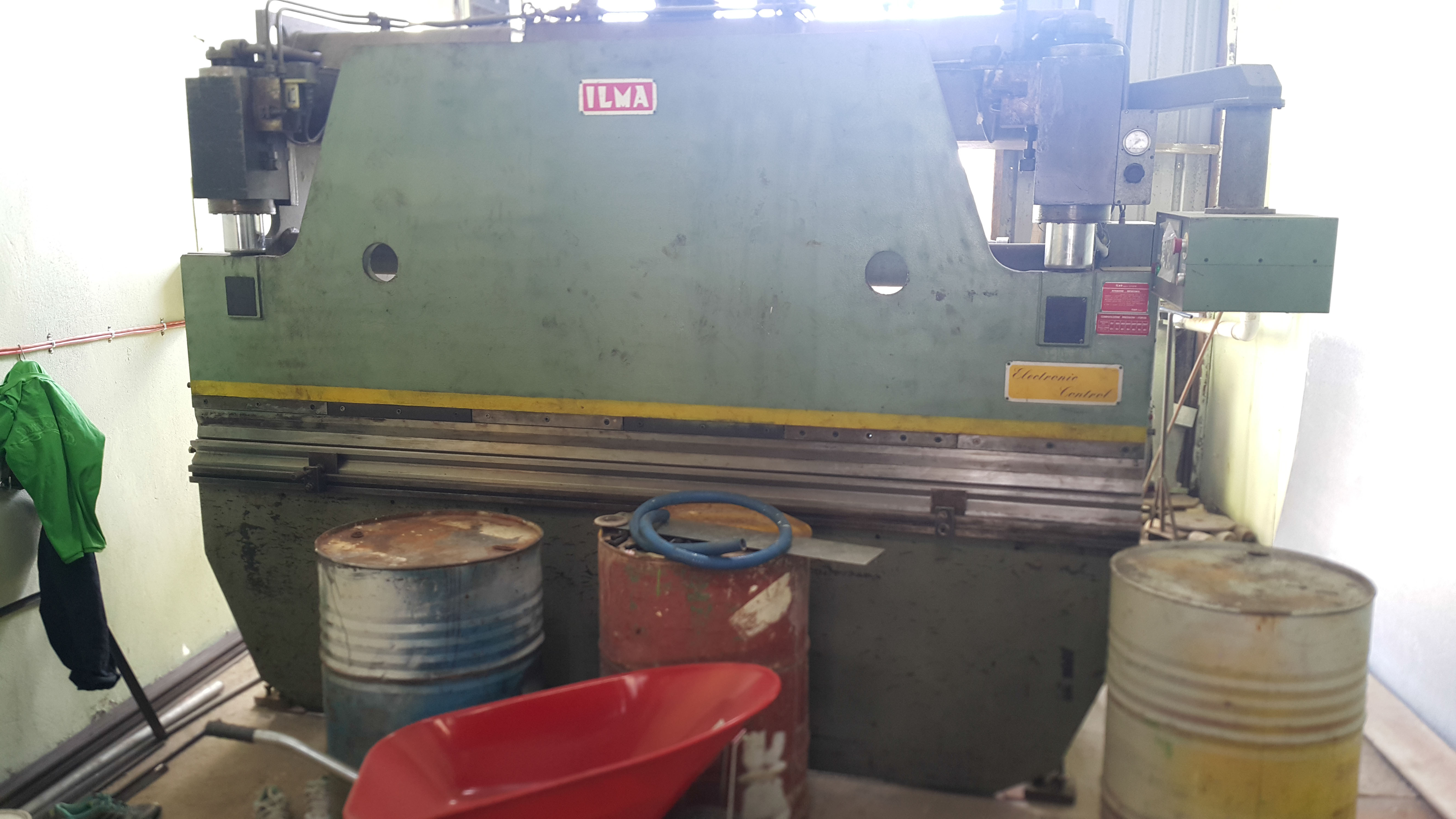 05 Bending machine