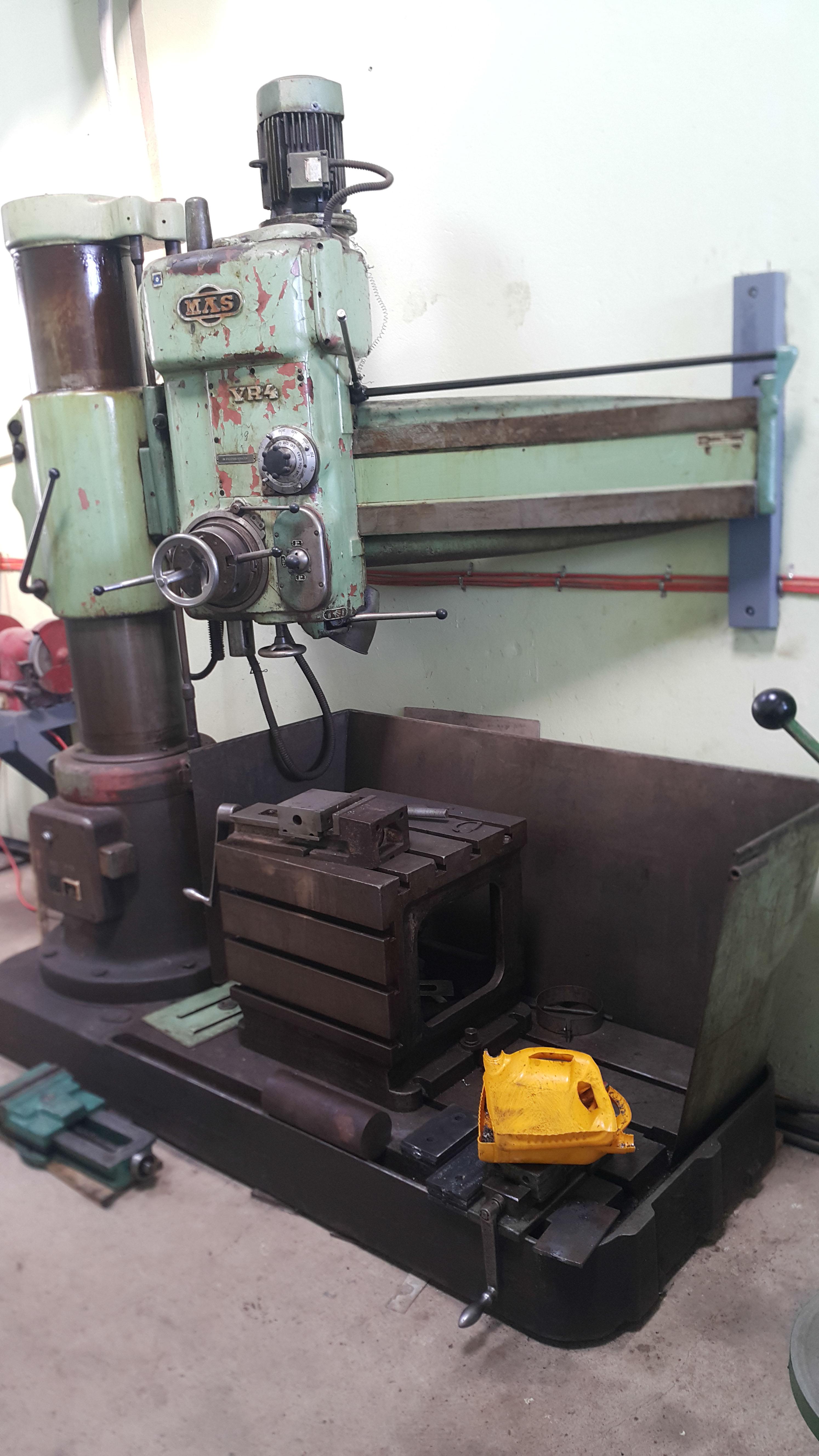07 Radial drill machine