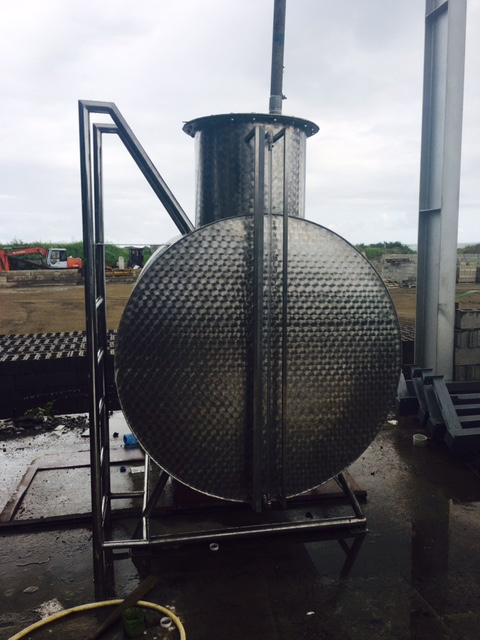 Stainless Steel Tank 1